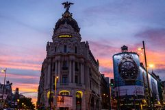 Atardeder en el edificio Metropolis royalty free stock photography