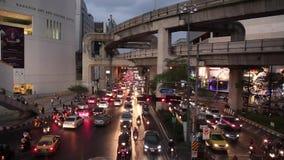 Atasco de la noche en Bangkok