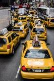 Atasco del taxi Imagenes de archivo