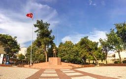 Ataturk staty i Gallipoli & x28; gelibolu& x29; cirkel i Gelibolu Canakkale Arkivbild