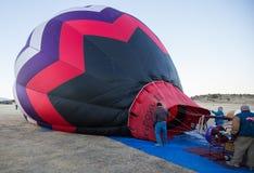 Ateando fogo acima ao balão Foto de Stock Royalty Free
