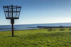 Ateie fogo à baliza nas fortificações da cidade no berwick em cima da mistura de lã Foto de Stock