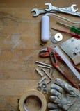 Atelier avec des outils pour le bricoleur Image stock
