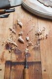 Atelier d'un charpentier Outils pour le découpage du bois Image libre de droits