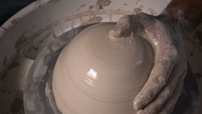 Atelier de compétence d'art décoratif d'argile de pot clips vidéos