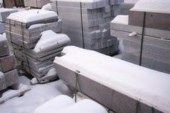 Atelier de production, usine pour traiter le granit en pierre naturel, de marbre Entrepôt de produits finis Produits, plats de ma photo stock