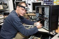 Atelier de réparations d'ordinateur Images libres de droits