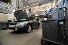 Atelier de réparations de voiture Photos libres de droits