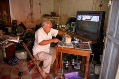 Atelier de réparations mexicain de l'électronique Photos libres de droits