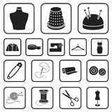 Atelier i szwalne czarne ikony w ustalonej kolekci dla projekta Wyposażenie i narzędzia dla szyć wektorowego symbol zaopatrujemy  Obraz Royalty Free