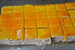 Atelier sicilien de boulangerie Gâteau orange traditionnel photos stock