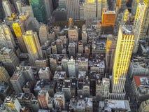 Atem, der die Ansicht von Manhattan vom Empire State Building in NY vertritt Lizenzfreies Stockbild