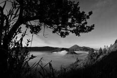Atemberaubende Ansicht des Vulkans bei Bromo Bestehen aus aktivem Bromo,  Berg Batok,  und Berg semeru stockbild