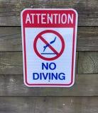 Atenção nenhum sinal de aviso do mergulho Imagens de Stock Royalty Free
