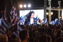 Aten Grekland, 3 Juli 2015 Borgmästaren av Aten, grekiska kändisar och lokal folkdemonstrarte om den kommande folkomröstningen Royaltyfria Bilder