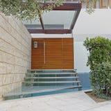 Aten Grekland, modern trappa för husingångsexponeringsglas Arkivfoto