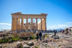 11 03 2018 Aten, Grekland - Parthenontempel på en solig dag Acr Royaltyfria Bilder