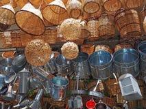 Aten shoppar skärm av korgar och pannor Royaltyfri Fotografi