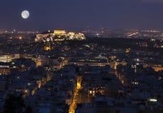 Atenakropol på fullmånen Royaltyfri Foto