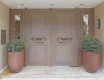 Atenas, entrada contemporánea elegante de la casa imagen de archivo