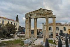 ATENAS, GRÉCIA - 20 DE JANEIRO DE 2017: Opinião Roman Agora em Atenas, Attica do por do sol Imagens de Stock