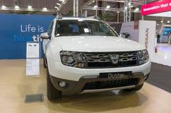 ATENAS, GRÉCIA - 14 DE NOVEMBRO DE 2017: Dacia Duster na exposição automóvel 2017 de Aftokinisi-Fisikon Fotografia de Stock Royalty Free