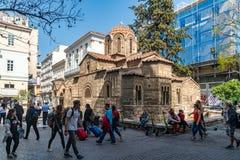 Atenas, Gr?cia - 26 04 2019: A igreja de Panagia Kapnikarea, a igreja a mais velha em Atenas imagem de stock