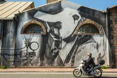 ATENAS, GRECIA - arte contemporáneo de la pintada en las paredes de la ciudad Foto de archivo libre de regalías