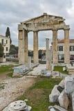ATENAS, GRECIA - 20 DE ENERO DE 2017: Opinión Roman Agora en Atenas, Atica de la puesta del sol Foto de archivo libre de regalías