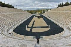 ATENAS, GRECIA - 20 DE ENERO DE 2017: Vista asombrosa del estadio o del kallimarmaro de Panathenaic en Atenas Fotografía de archivo libre de regalías