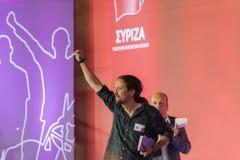 Atenas, Grecia 18 de septiembre de 2015 Pablo Iglesias de Podemos en Grecia pronunciar un discurso con el primer ministro de Grec Fotos de archivo