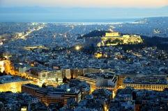 Atenas por noche imagen de archivo libre de regalías