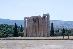Atenas, templo de Zeus fotografía de archivo libre de regalías