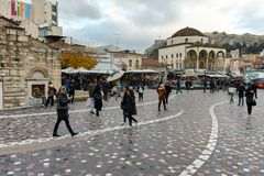 ATENE, GRECIA - 20 GENNAIO 2017: Panorama del quadrato di Monastiraki, Atene, Attica Fotografia Stock Libera da Diritti