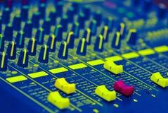 Atenuadores del mezclador de sonidos Fotos de archivo
