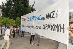 Ateny, Grecja, 30 2015 Czerwiec Greccy ludzie demonstrowali przeciw rzędowi o nadchodzącym referendum Zdjęcie Royalty Free