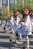 ATENY GRECJA, WRZESIEŃ, - 16, 2018: Militarna parada dla Grecja Strażnicy zmienia ceremonię zdjęcie royalty free