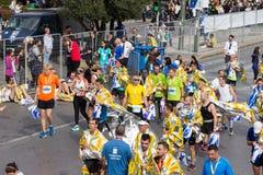 Ateny Maratońscy biegacze po kończyć rasy obraz stock