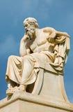 Ateny - statua Socrates przed Krajowym akademia budynkiem Włoskim rzeźbiarzem Piccarelli zdjęcia royalty free