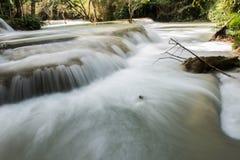 Ater strumień w Tat Kuang Si Obraz Stock