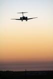 Aterragem de avião foto de stock