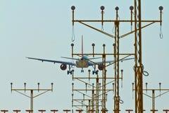 Aterragem de avião Fotos de Stock Royalty Free