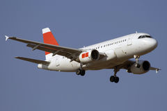 Aterragem de avião do jato Fotografia de Stock Royalty Free