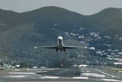 Aterragem de avião do passageiro imagem de stock royalty free