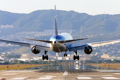 Aterragem de aviões Fotos de Stock Royalty Free