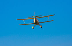 Aterragem do biplano Fotografia de Stock