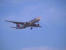 Aterragem dos emirados Imagem de Stock Royalty Free