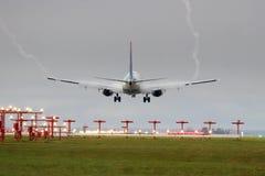 Aterragem nevoenta Fotografia de Stock
