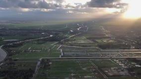 Aterrissagem Amsterdão aeroporto internacional AMS no janeiro de 2018 video estoque