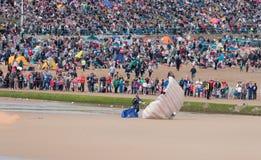 Aterrissagem da equipe da exposição do paraquedas dos tigres Imagem de Stock Royalty Free